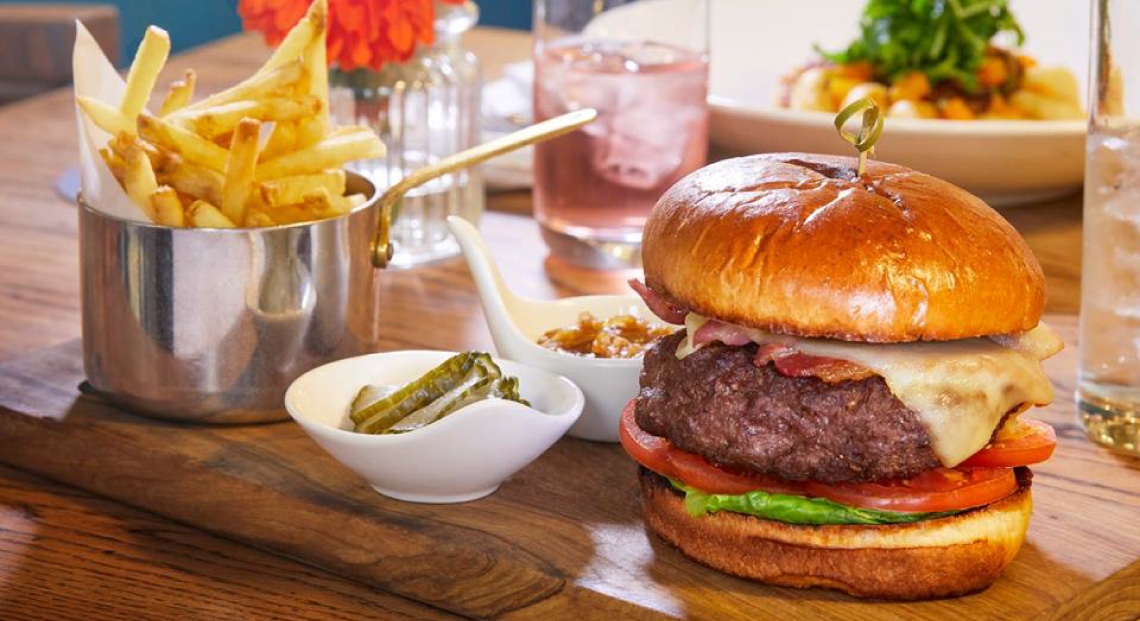 Burger at the Ellenborough Park's Horsebox pub