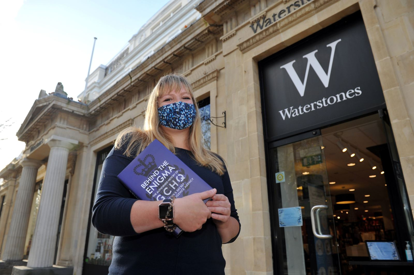 Waterstones Cheltenham offering a lockdown click and collect service